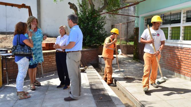 Fotos MGP - La Municipalidad trabaja en 60 escuelas_grande